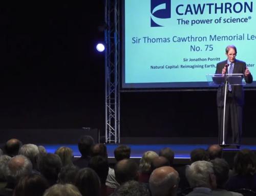 Cawthron Institute hosts leading British environmentalist Sir Jonathon Porritt